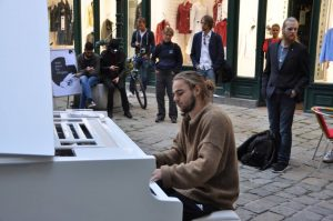 Open Piano for Refugees